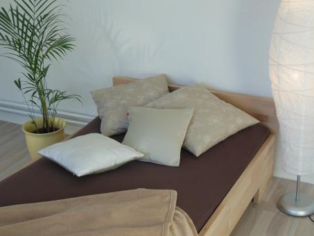 Massivholzbett Buche Einzelbett mit Fuss II mit Komfortsitzhöhe 90cm | 18mm | 200cm | 44cm