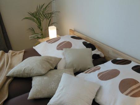 Massivholzbett Kernesche Doppelbett mit Fuss II 140cm | 200cm | 30cm